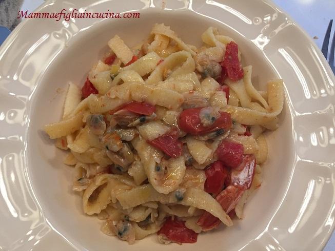pasta-fresca-con-taratufi-lupini-volgole-e-gamberoni