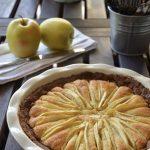 Torta di mele con base di frolla al cacao