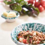 Farro con bieta rossa, pecorino romano e pomodorini