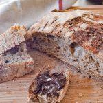 Pane a lievitazione naturale con il lievito di birra secco (lievito in polvere)